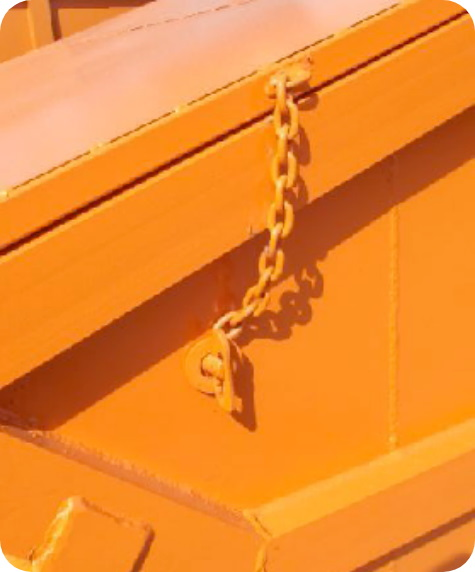 Chain of a lockable skip for secure destruction at 2 recycling