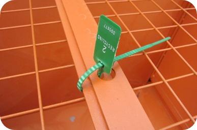 Photo of tag on lockable skip