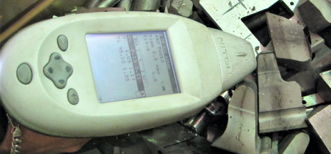 XRF analyzer for scrap metal sorting